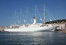 парусник Wind Surf компания Windstar Cruises