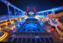 Лайнер Disney Fantasy, на верхней палубе