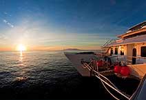 Cormorant Catamaran яхта класса люкс Галапагосы