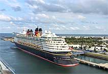 Лайнер Disney Maigic, компания Disney Cruise Line