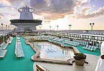 Лайнер Empress of the Seas, на верхней палубе