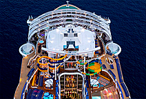 Symphony of the Seas на корме