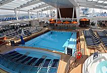 Лайнер Spectrum of the Seas, на верхней палубе